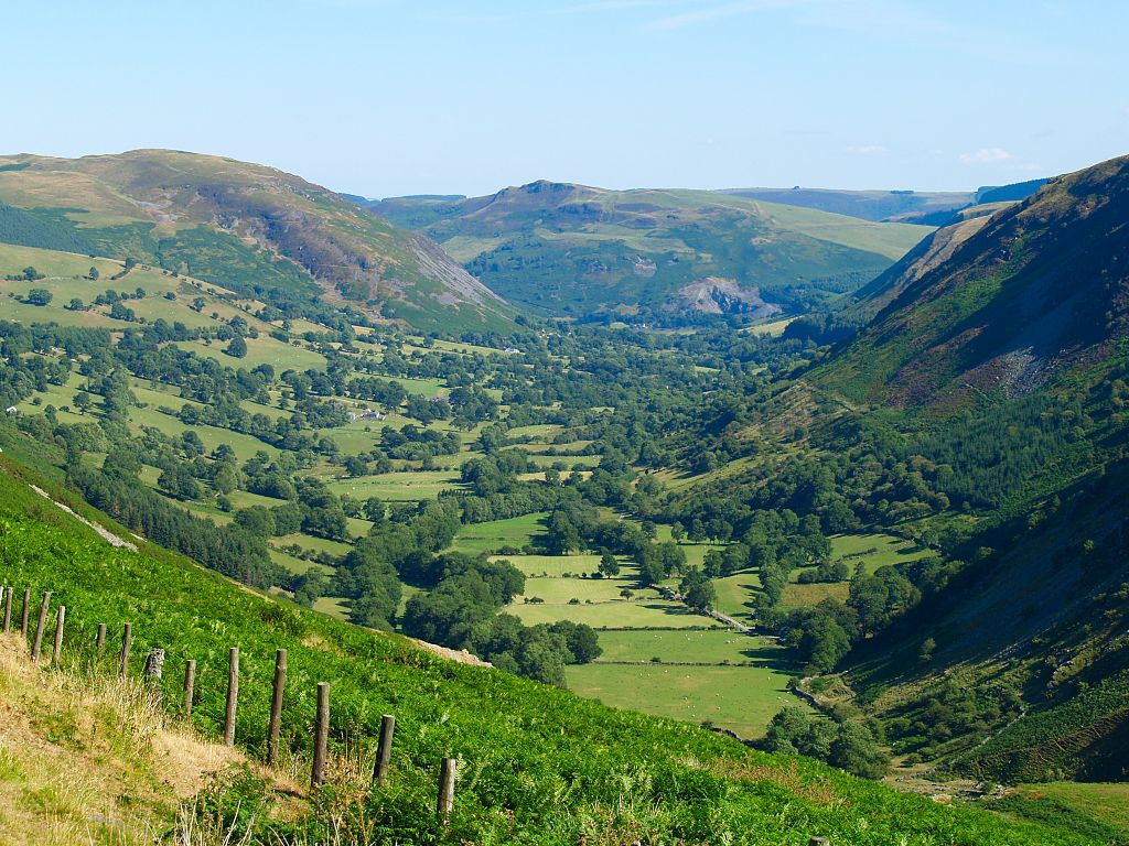 Valley in Wales from topskips.com
