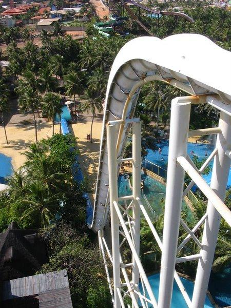 Seeking the tallest water slides in the world here is our - Tallest swimming pool in the world ...