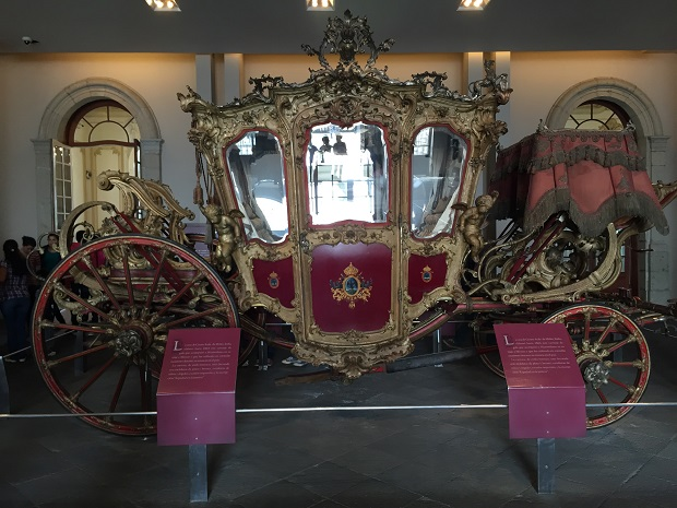 stage coach in the chapultapec castle
