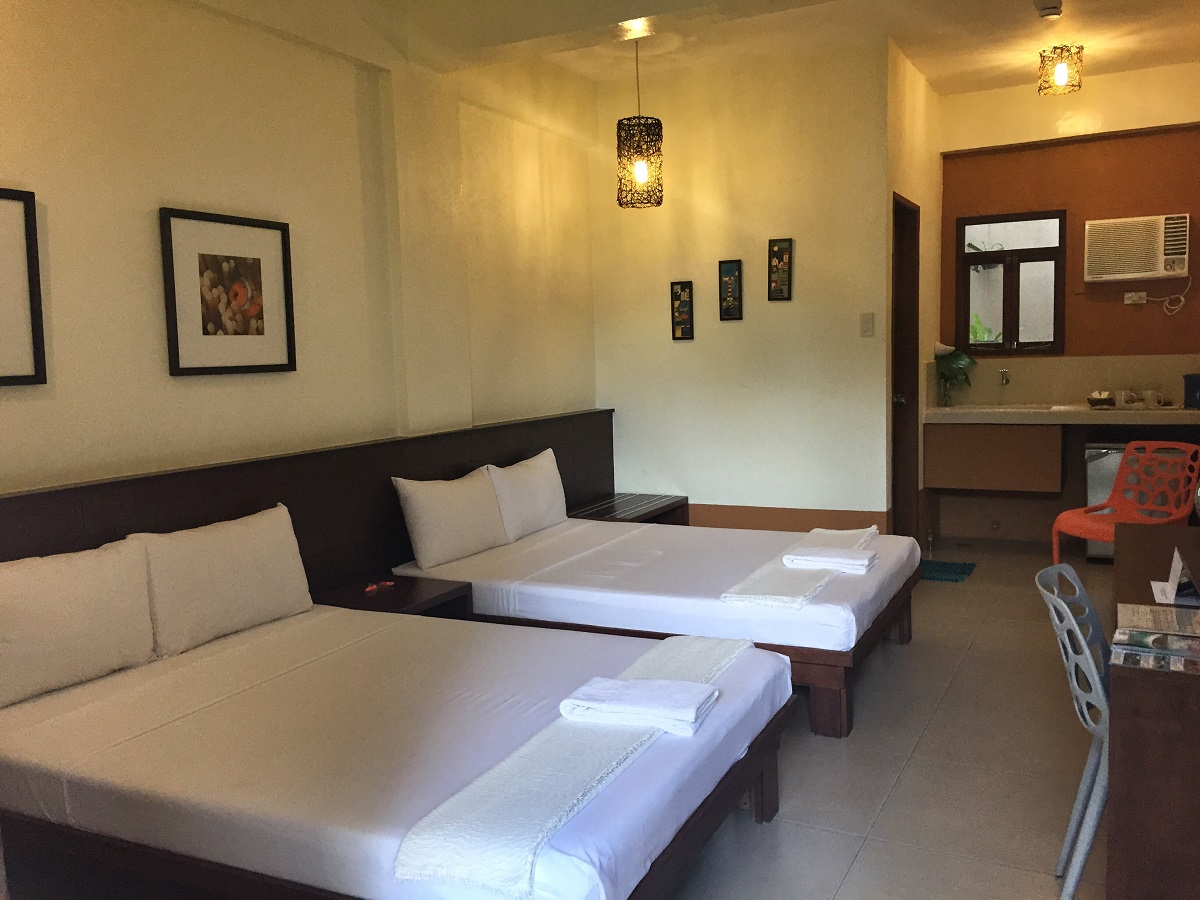 Review of Deluxe Room at Agos Room and Beds in Boracay
