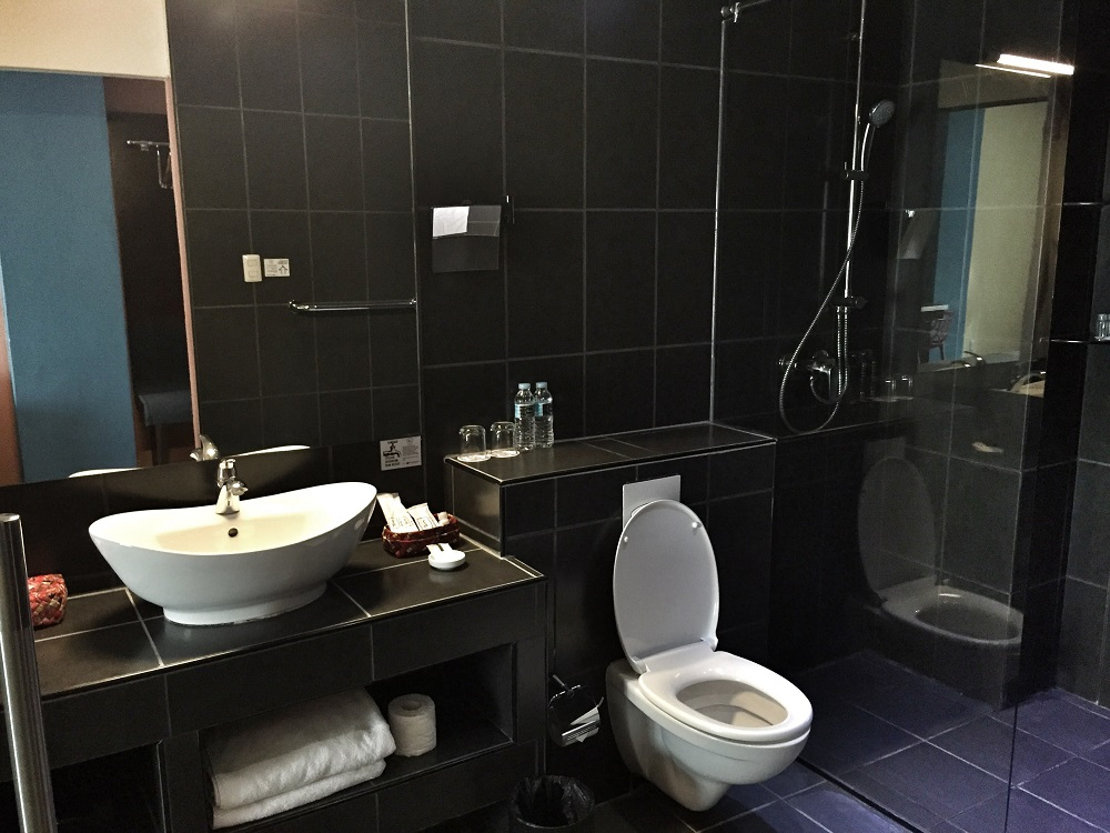 bathroom in a big room at The Henry Hotel in Cebu, Philippines