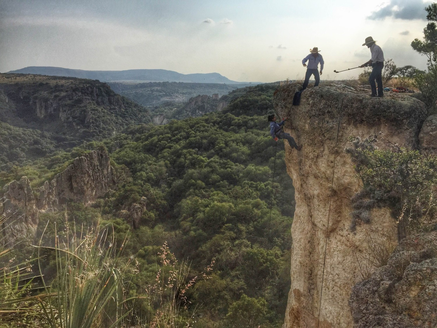 Repelling in San Miguel