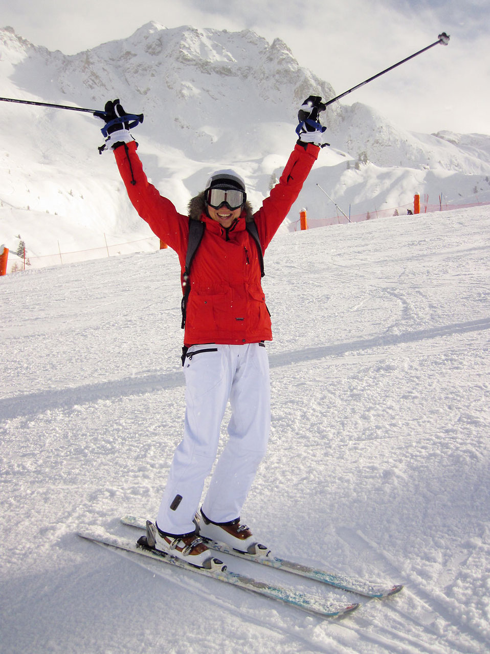 10568-a-woman-snow-skiing-pv