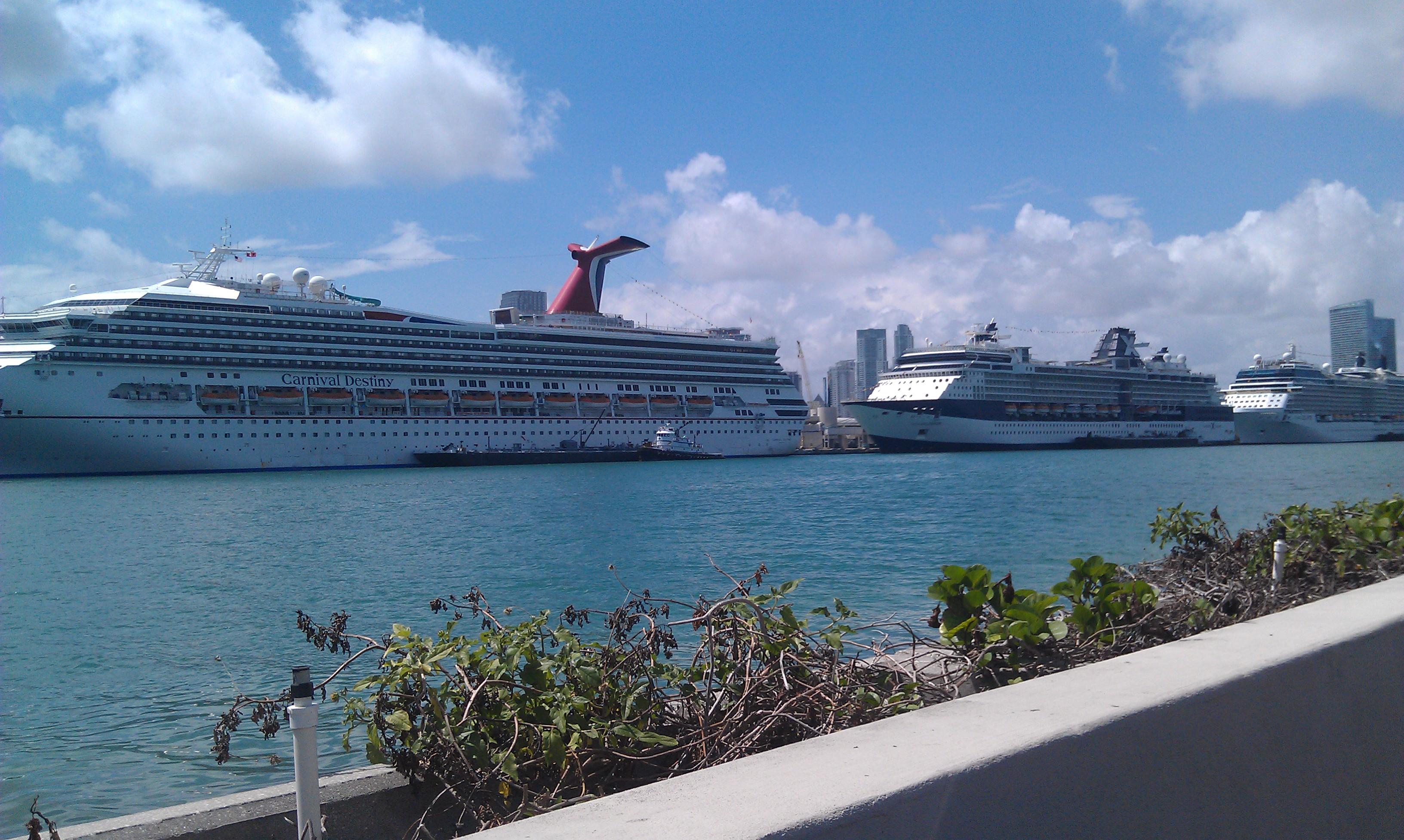 Photo Of The Week Cruise Ships In Miami - Miami cruise