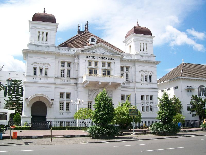 colonial architecture in Indonesisa, from http://www.flickr.com/photos/orangescale/2301455888/sizes/o/in/photostream/