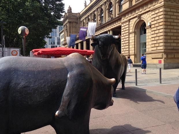 Bull and Bear statues Frankfurt