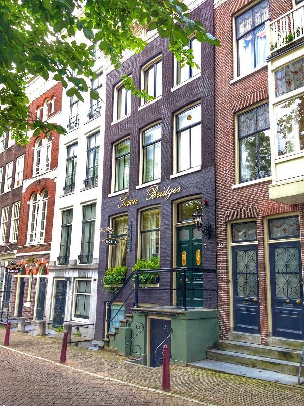 Hotel Seven Bridges in Amsterdam Exterior