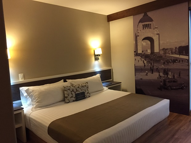 hotel plaza revolucion in Mexico City Room Review