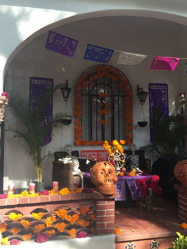 day of the dead offering on someones porch in Coyoacan