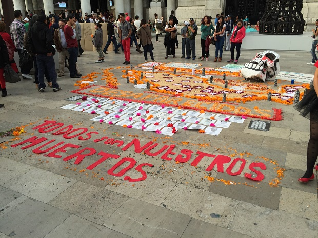 offering to the dead, mexico city