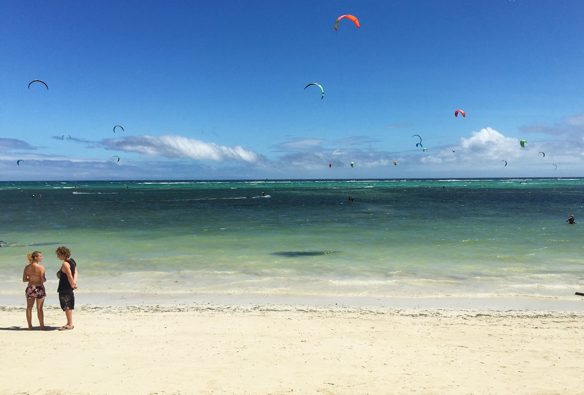 kite boarders on Bulabog Beach, Boracay