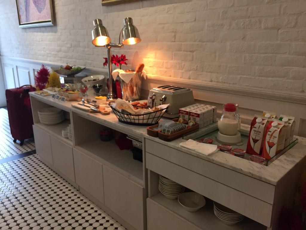 breakfast hotel adonis singapore