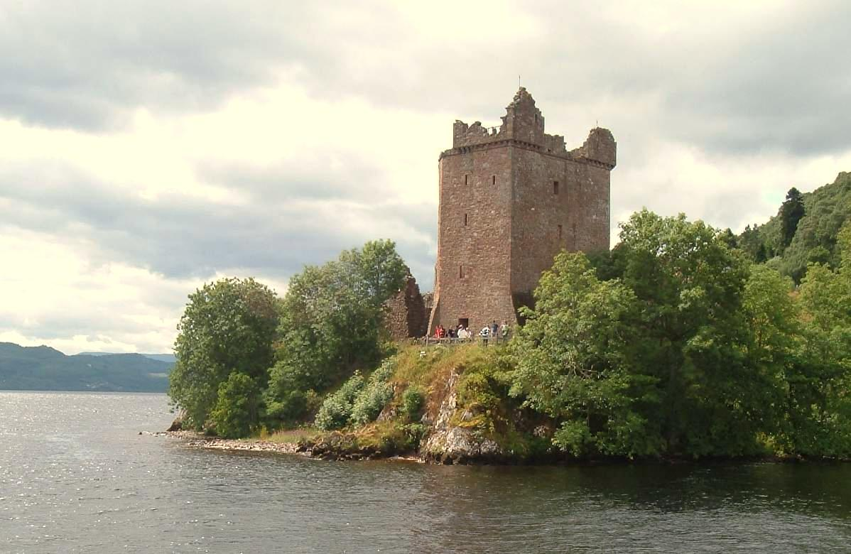 Castles on picturesque lakes is just one reason why Scotland is the best country in the world ... photo by CC user dave conner on Flickr