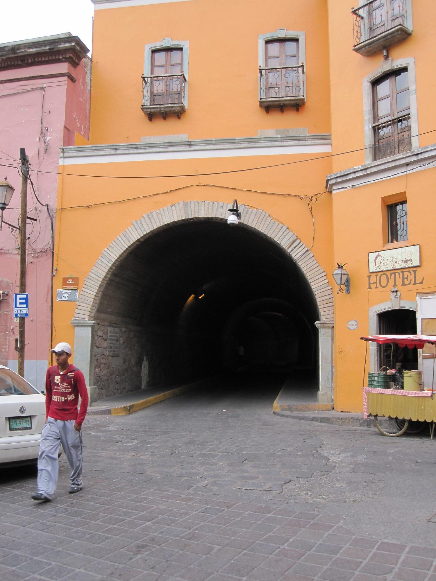 tunnel in guanajuato, mexico